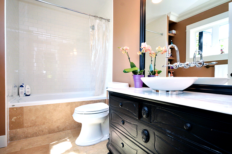 MASTER BATHROOM  |  LABURNUM ROAD
